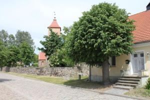 Ferienwohnung auf dem Feldsteinsteinhof - Fachwerkhaus auf dem Dorfannger