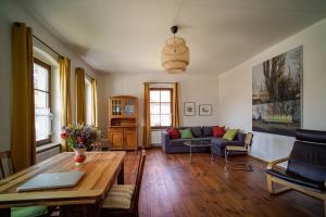 Ferienwohnung auf dem Feldsteinhof - Wohnzimmer